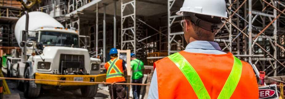 債務超過でも建設業許可の取得や更新はできる?