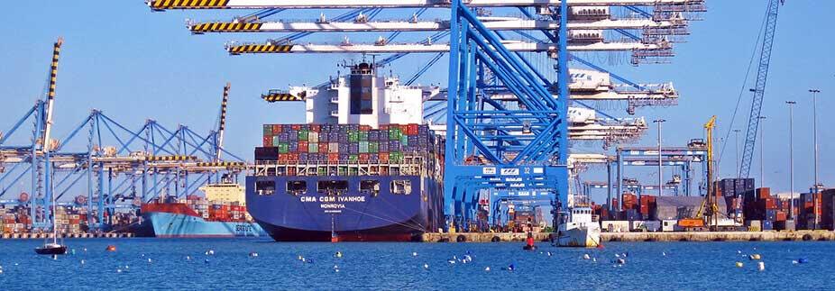 貿易取引で起こるリスクはどう対策すべき?